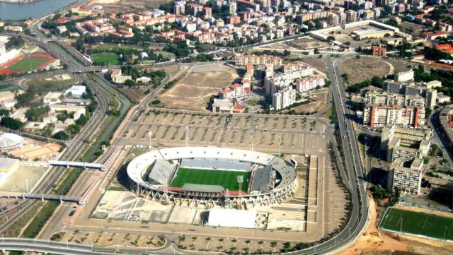 Veduta aerea dello Stadio Sant'Elia in tempi recenti