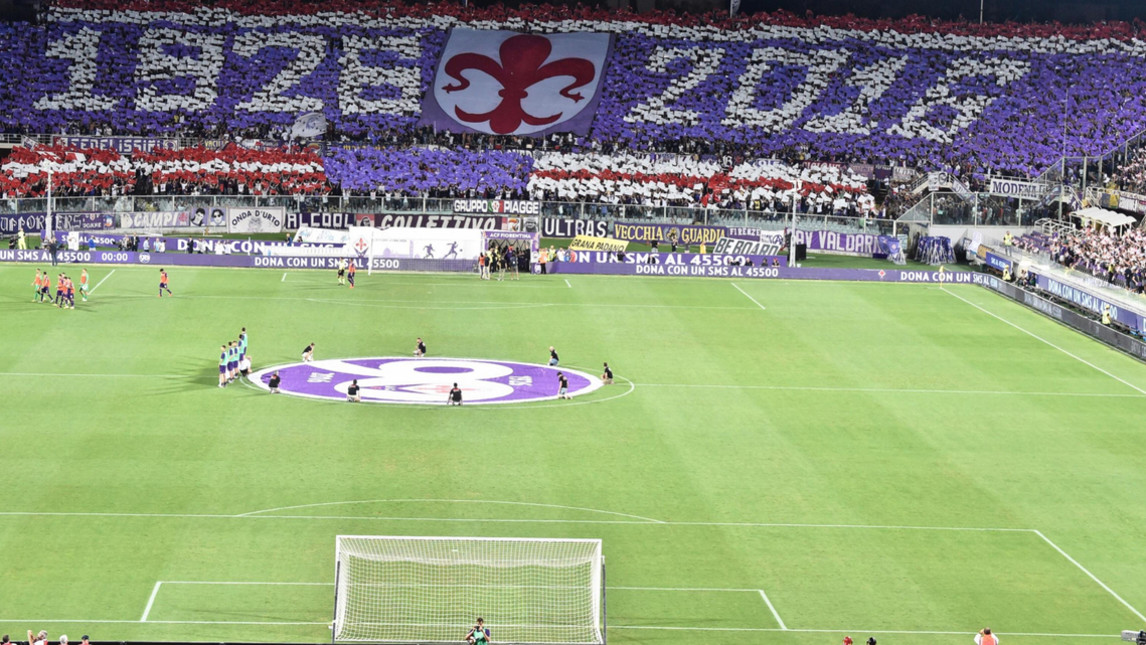 La coreografia per i 90 anni della Fiorentina