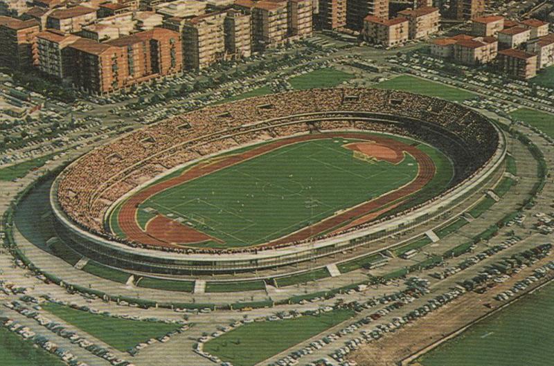 Una foto d'epoca dello Stadio Bentegodi di Verona negli anni 70