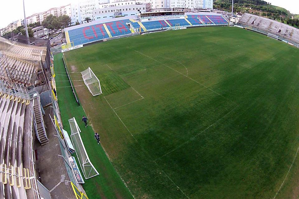 Immagine dello Stadio Scida scattata da un drone